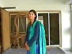 Пакистана жену