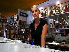 Bartender Checa HOT pago transa rápida