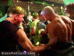 Nude Gruppen Homosexuell s Männer kostenlos Dutzende von Jungen gehen Bananen