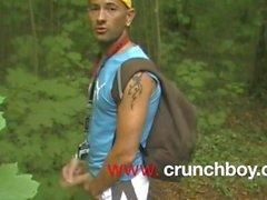 twink suger xxl kuk av jess royan i skogsutställningar