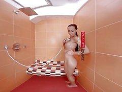 RealityLovers - Anna ile Duş Allurement