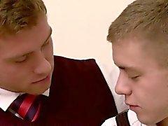 Connors Maguire kärlekar varm och ångande anal sex med Ian Levines