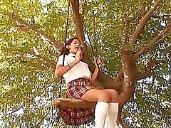 Morena Bootylicious em uniforme escolar fica bateu estilo cachorrinho