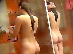 snygga amatörer spionerade på allmänheten duschen