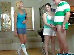 Hausfrauen möchten mit jener Boners spielen