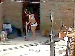 Vecino Espiando Limpieza - de Milf asno con el pie Lingerie Mirón