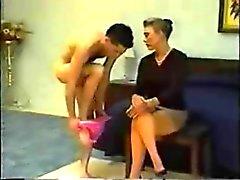 Espancado na calcinha rosa com pau duro