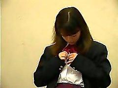 Öğretmenin göre Asyalı Teen SchoolGirl Fingered Ve Birden Kahretsin