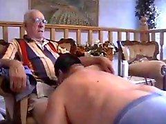 Compalations пожилых мужчин в игре