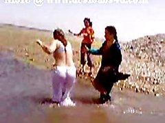 Pakistan Sindhi Karaçi Teyze Çıplak River Banyo
