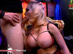 chessie Kay ja Angel Wicky Massive tissit ja Cum Covered