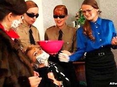 Одетая секретари радовать своих роговой дымиться босса
