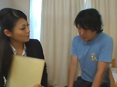 Boy recibe más de ayuda para sus estudios de profesor caliente ...
