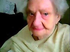 Liten pojke förför till gammal Grandmas