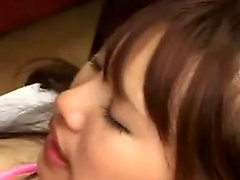 L'infirmière japonaise bourbeuse en bas blanc bénéficie d'une intention