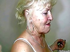 La abuelita rubia con la grandes tetas danza desnuda
