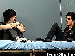 Follada Gay Tyler Tornillo y de Jason de Alcock están en prisión juntos.