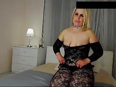 Blonde MILF Porter Nylon