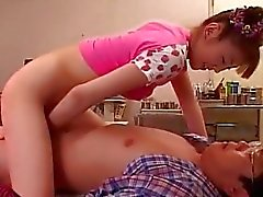 Very cute ve alluring Asian Teen çuvalladı dogg gets
