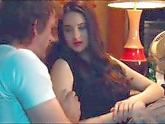 Shailene Woodley Pájaro blanco en una ventisca Todas las escenas de sexo HD