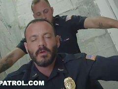 GAY PATROL - Fuck The Police? Nein, Startseite Boy, The Police Fuck you!