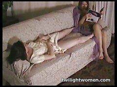 twilightwomen - Tribbing lesbianas tarde de ocio
