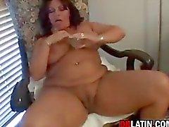 Potelé latino maman Masturbation