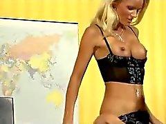 Senden Sie Mensch fickt Heiß deutsche Dame im Büro