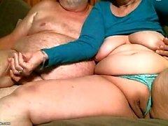Desagradável Nicole Graves dedilhado e brincando sua boceta molhada gorda