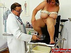 De grasa triguena MILF consigue un ginecológicos