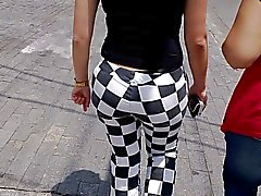 sdruws2 - big but and black thong on chequered pants