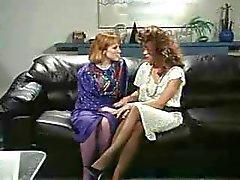 Retro Kontoret lesbiskar Pussy och Ass Slicka StrapOn
