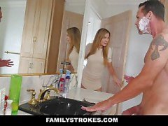 FamilyStrokes - filha fode Step-Dad While Mom Showers