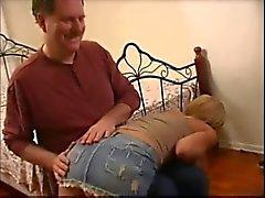 Pornstar de América de Kayla Synz una palmada de anciano