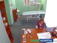 FakeHospital Kauniit redhead määrättyjen cock hänen lääkärille