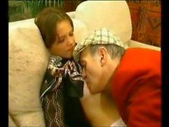 Şirin Fransız kız ve ihtiyar adam