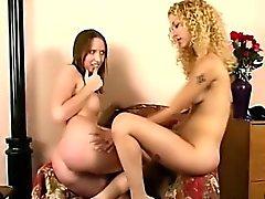 Dominación lesbian al aire libre