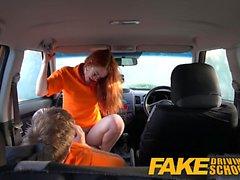 Falso estudiante jengibre Driving School empollona