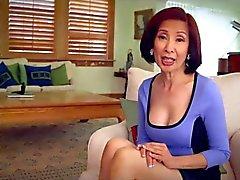64 Jahre alten Milf Schoko Kim Anh Gespräche über Analsex