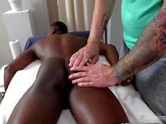 Ruvida interrazziale BBC Massaggio Con Bubble Butt White Boy !!
