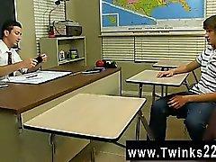 Восхитительные Twinks декан Holland настолько возбуждена, он не может остановить обманывает на