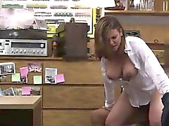 Mais de 50 blowjob Foxy Business Lady Gets Fucked!