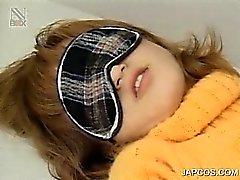 Завязал Японские подростков девочка приобретает волосатые пизды дразнил