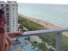 nakna på balkongen med