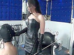 Fetish Diva Nadia