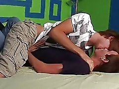 Twink rakkaus makuuhuoneessa