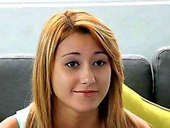 Responsabile casting Sedia a Gymnast della - X bionda ottiene flessibile in diretta cam