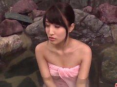 Aistillisia lelun porno porealtaalla joilla Sakia Kobashi