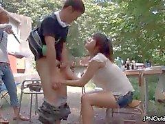 Sexy asian babe enlouquece masturbando