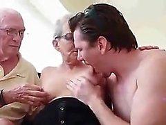 POV Blowjob von jugendlich amatuer nach ihrem Arsch in hd fingern